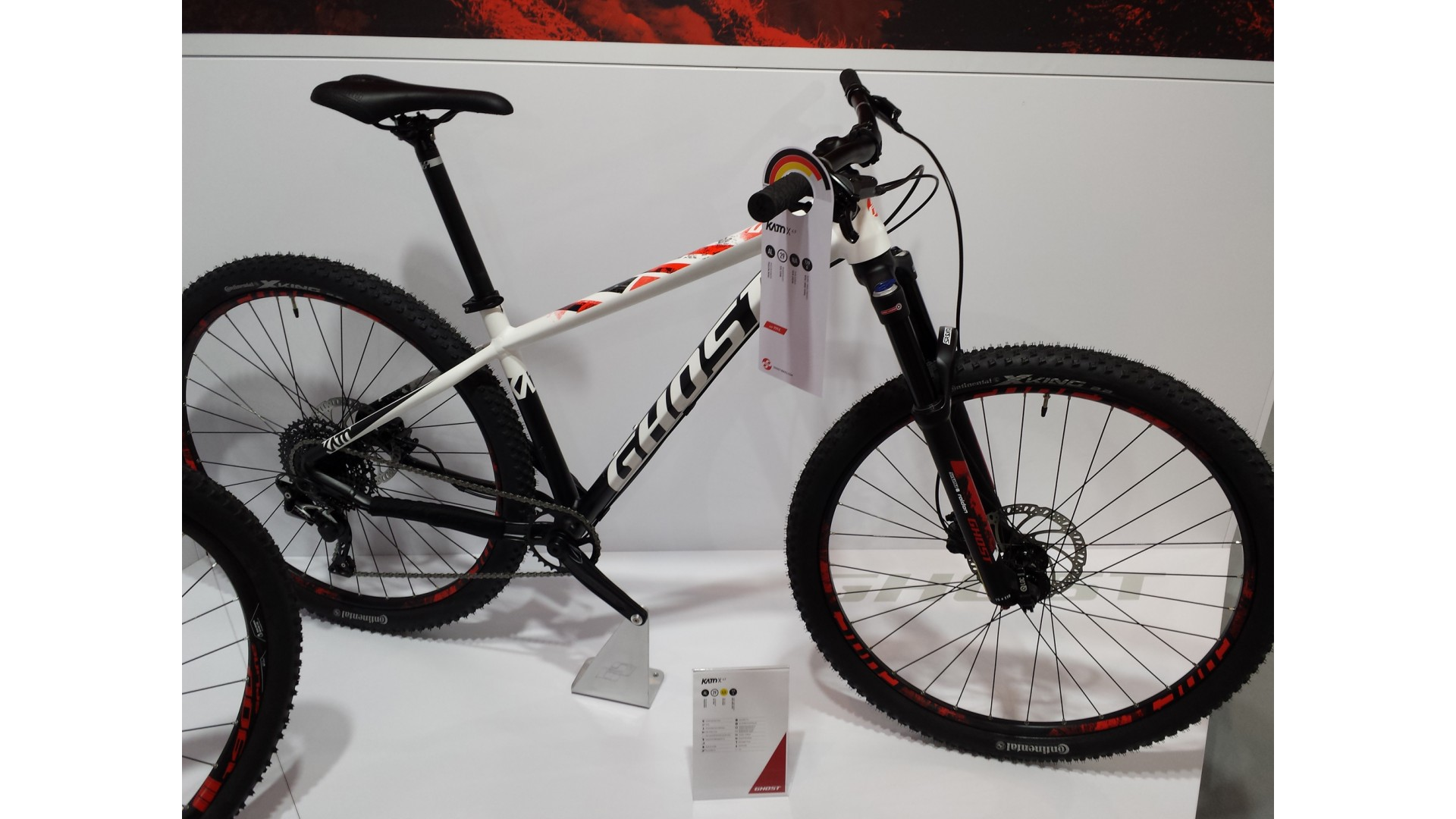 Велосипед GHOST Kato X 4.9 AL U starwhite/nightblack/riotred год 2018